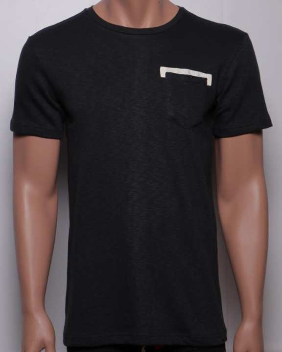Bench Men's Short Sleeved T Shirt - Black