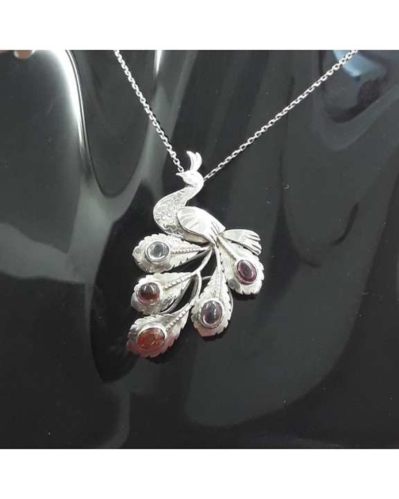 Mia.Ruby Silver Peacock Pendant with Spinel (including chain)