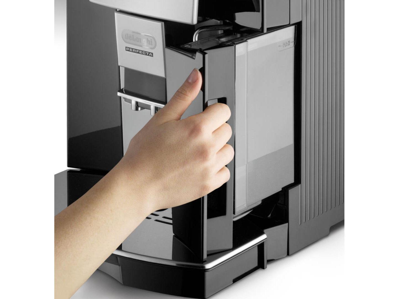 DeLonghi Perfecta ESAM 5500 Coffee Machine