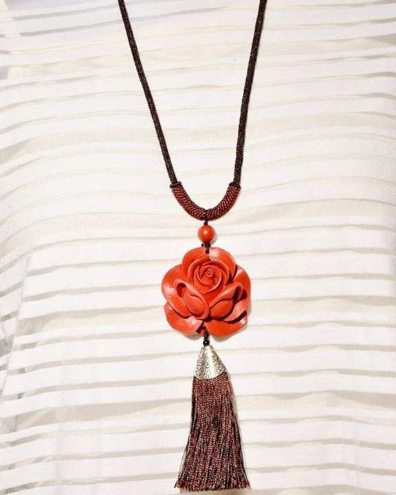 Infinity Rose Necklace – Red Brown